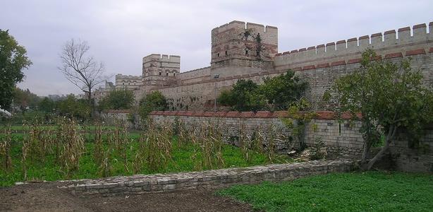 http://www.peshtour.ru/images/EGYPT/staStena4ss.jpg